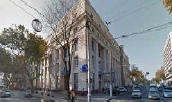 Фасад ЦУМа где ювелир работает.